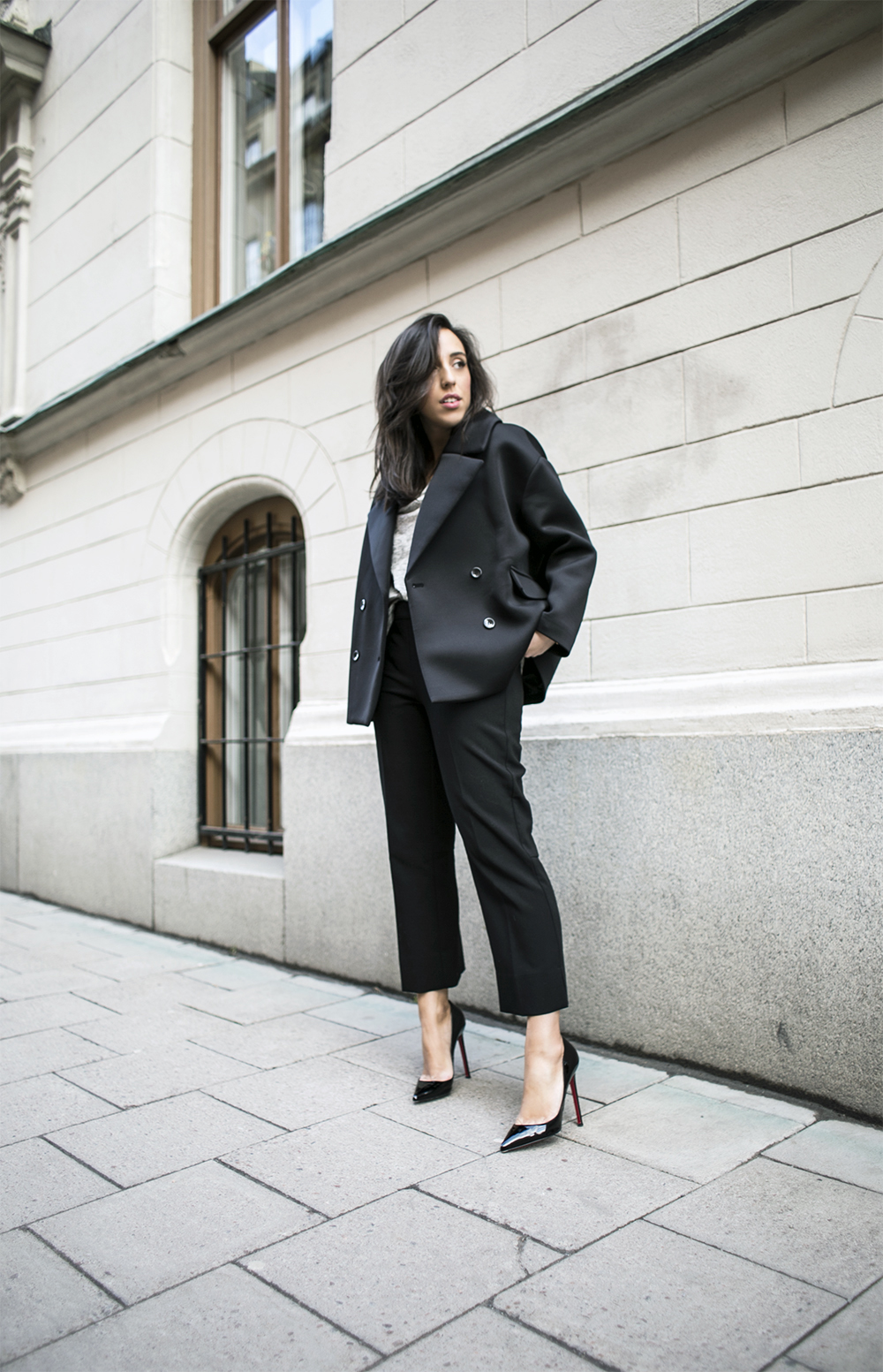 sania claus demina outfit lindex trousers christian louboubtin shoes weekday jacket by malebe birger tshirt_1