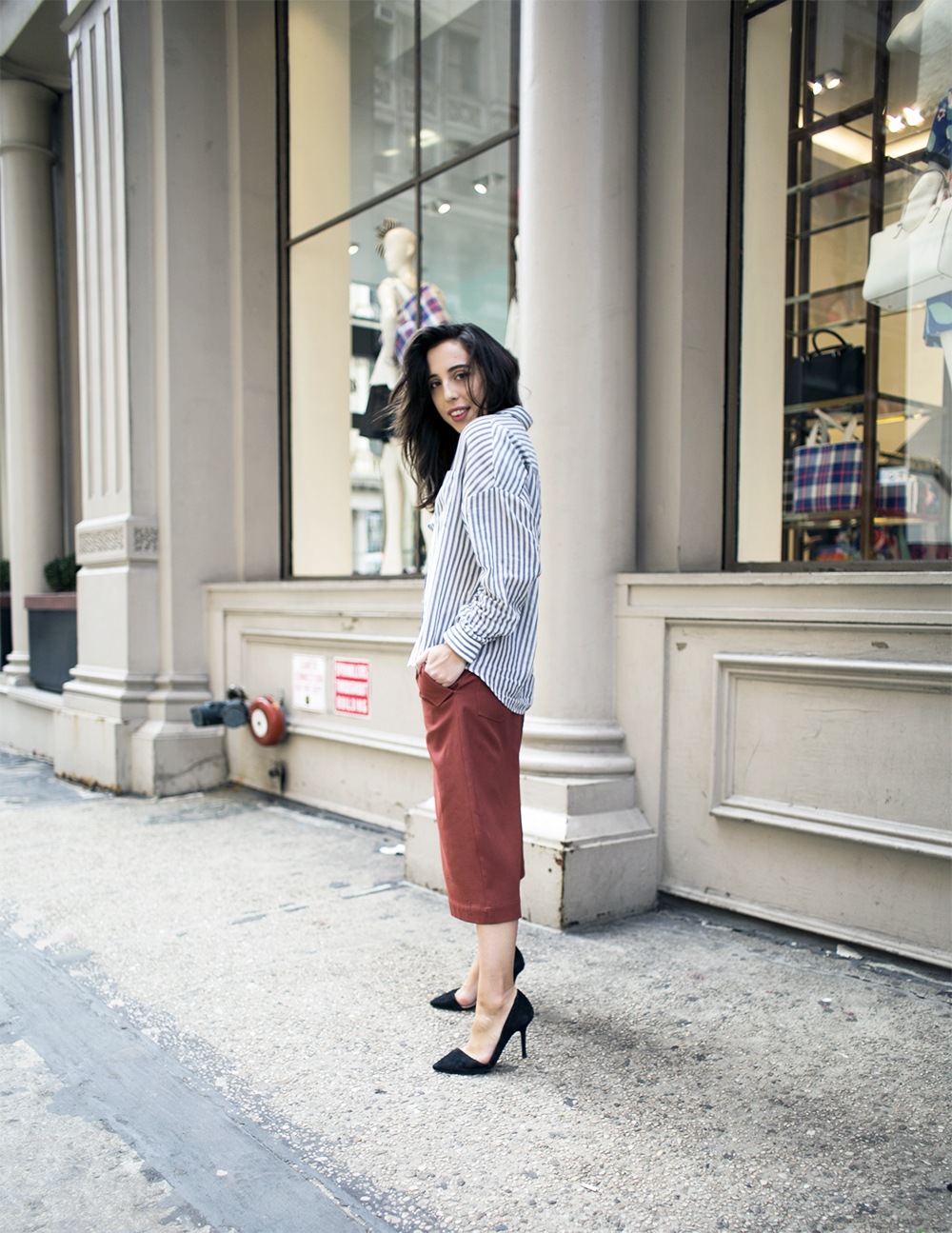 1_sania-claus-demina-outfit-new-york-city-acne-studios-culotte-esprit-shirt-zara-suede-pumps-soho-2015_5