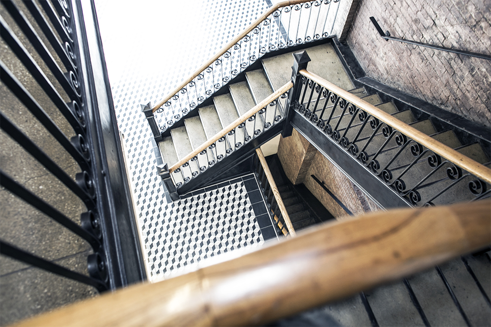 2_sania-claus-demina-visit-bloglovin-office-new-york-city-manhattan-meatpacking-district-stairs-2015