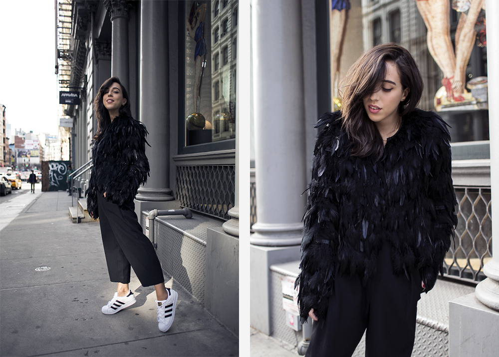 4_sania-claus-demina-outfit-new-york-city-soho-black-feather-jacket-hunkydory-lindex-pants-adidas-superstar-sneakers_