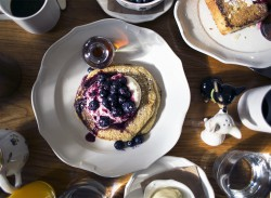 1_sania-claus-demina-new-york-city-meatpacking-district-standard-hotel-pancakes-breakfast-2015