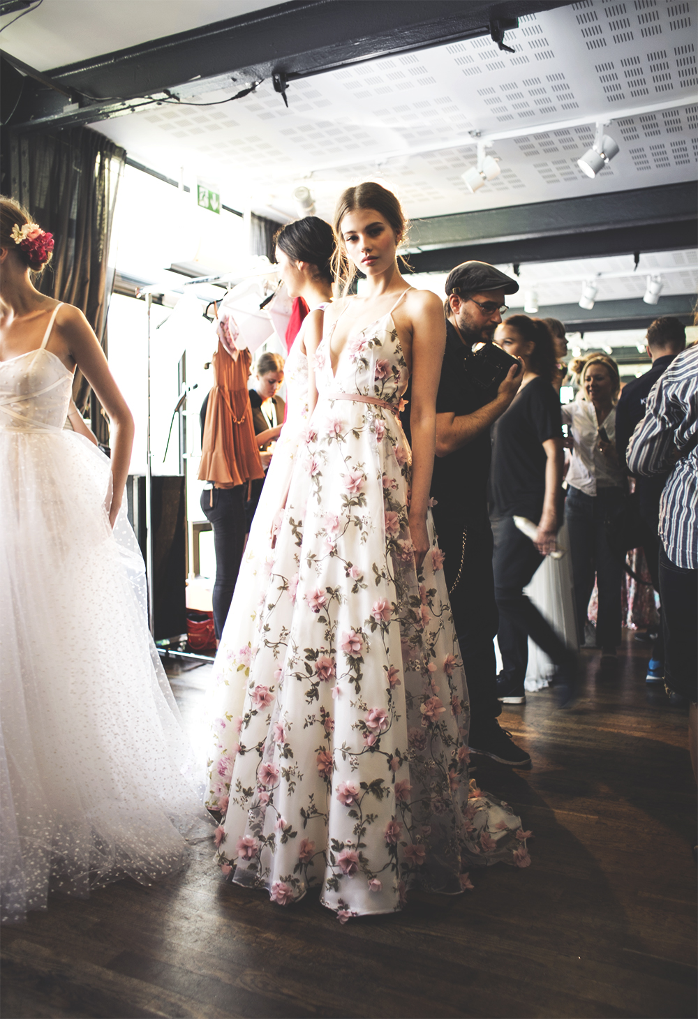 sania claus demina backstage ida sjostedt ss16 floral dress blommig klanning ss16 stockholm fashion week_1