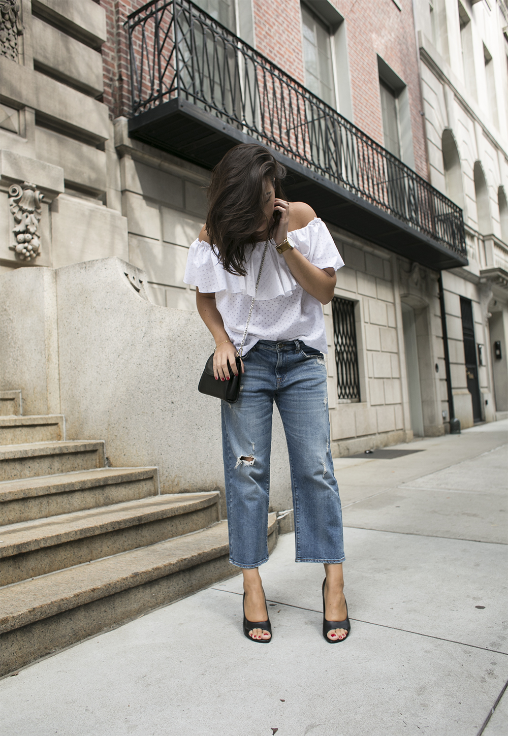outfit new york fashion week sania claus demina vika & other stories off shoulder top bikbok shorty jeans boyfriend culotte hope shoes mumbaistockholm_2