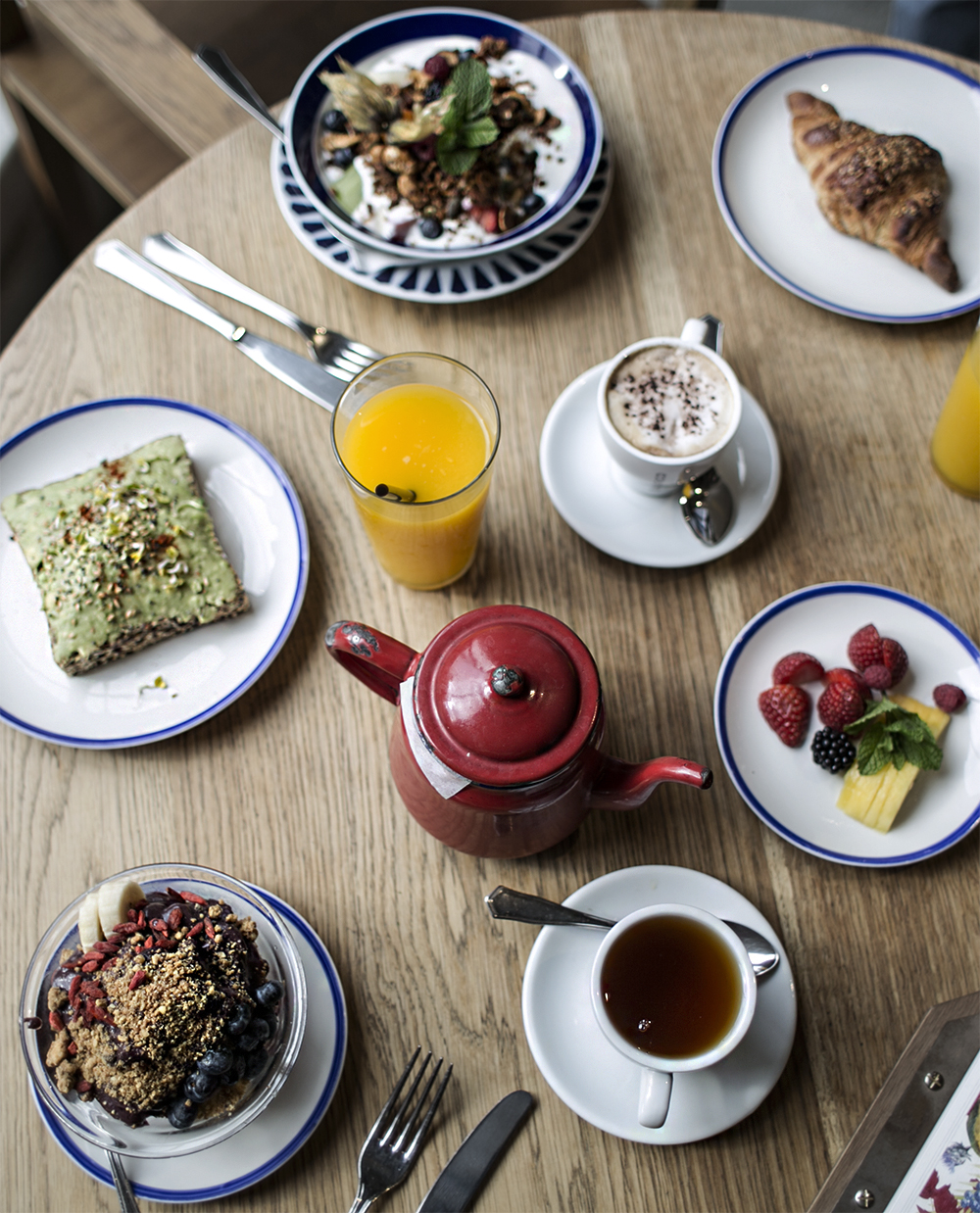 sania claus demina barcelona travel guide tips food brunch breakfast flax and kale_0