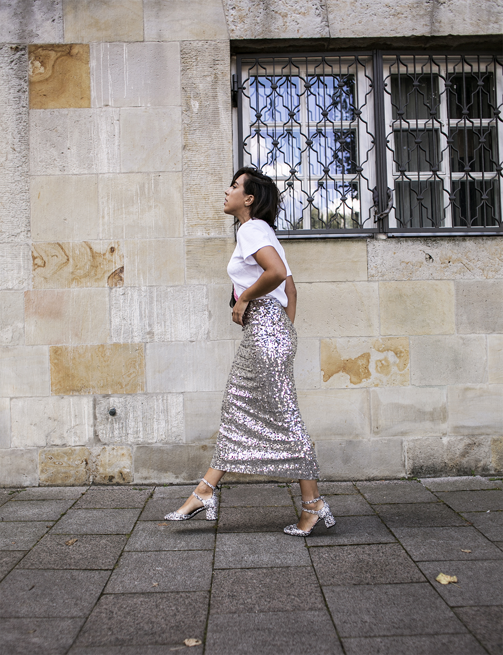 sania claus demina by malene birger glitter sequin skirt silver shoes henry kole MIA ganni tshirt copenhagen fashion week_1