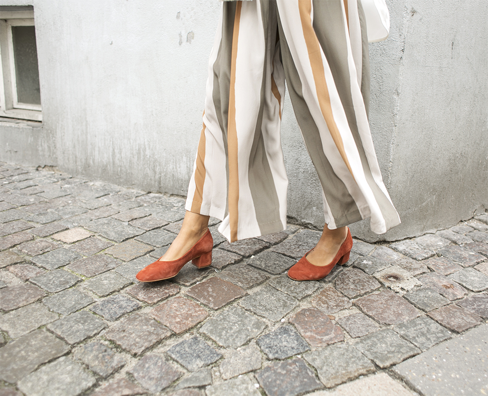 sania claus demina randiga byxor striped trousers pants suede pumps block heel ballerina by malene birger lo and sons bag the pearl_5