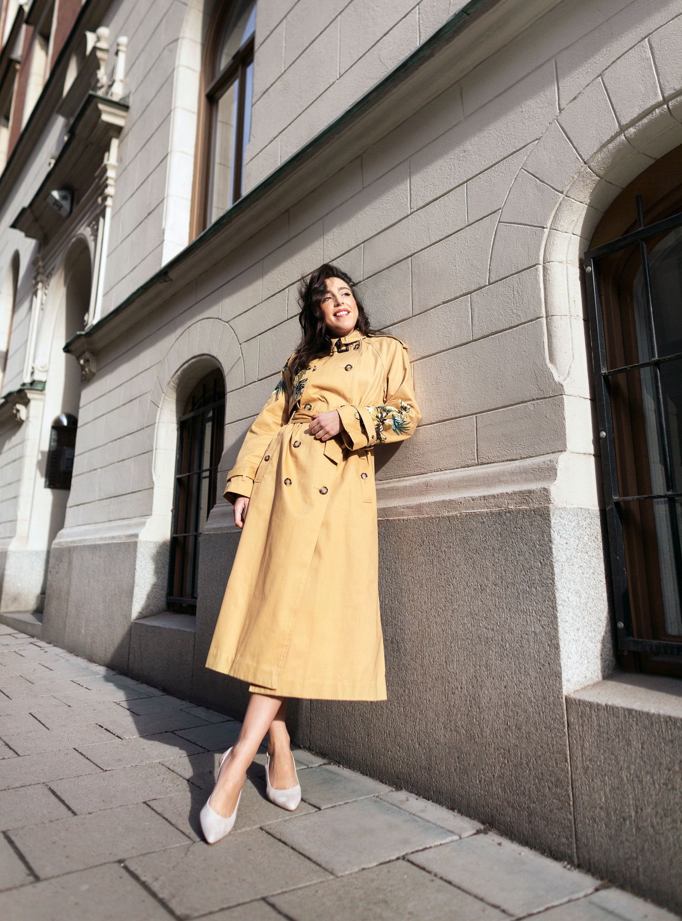 sania claus demina river island studio trench coat embrodiery_1