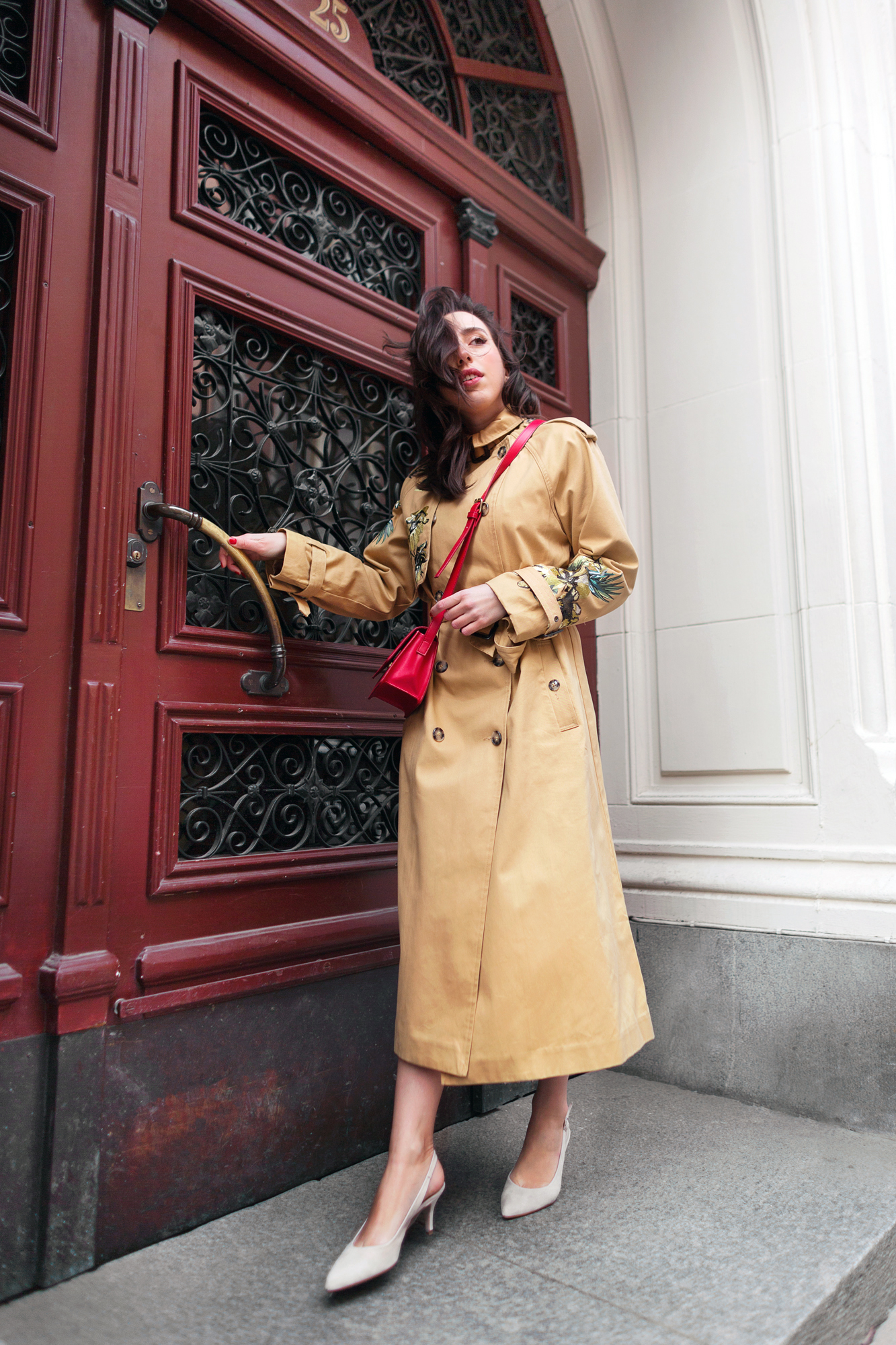 sania claus demina river island studio trench coat embrodiery_6