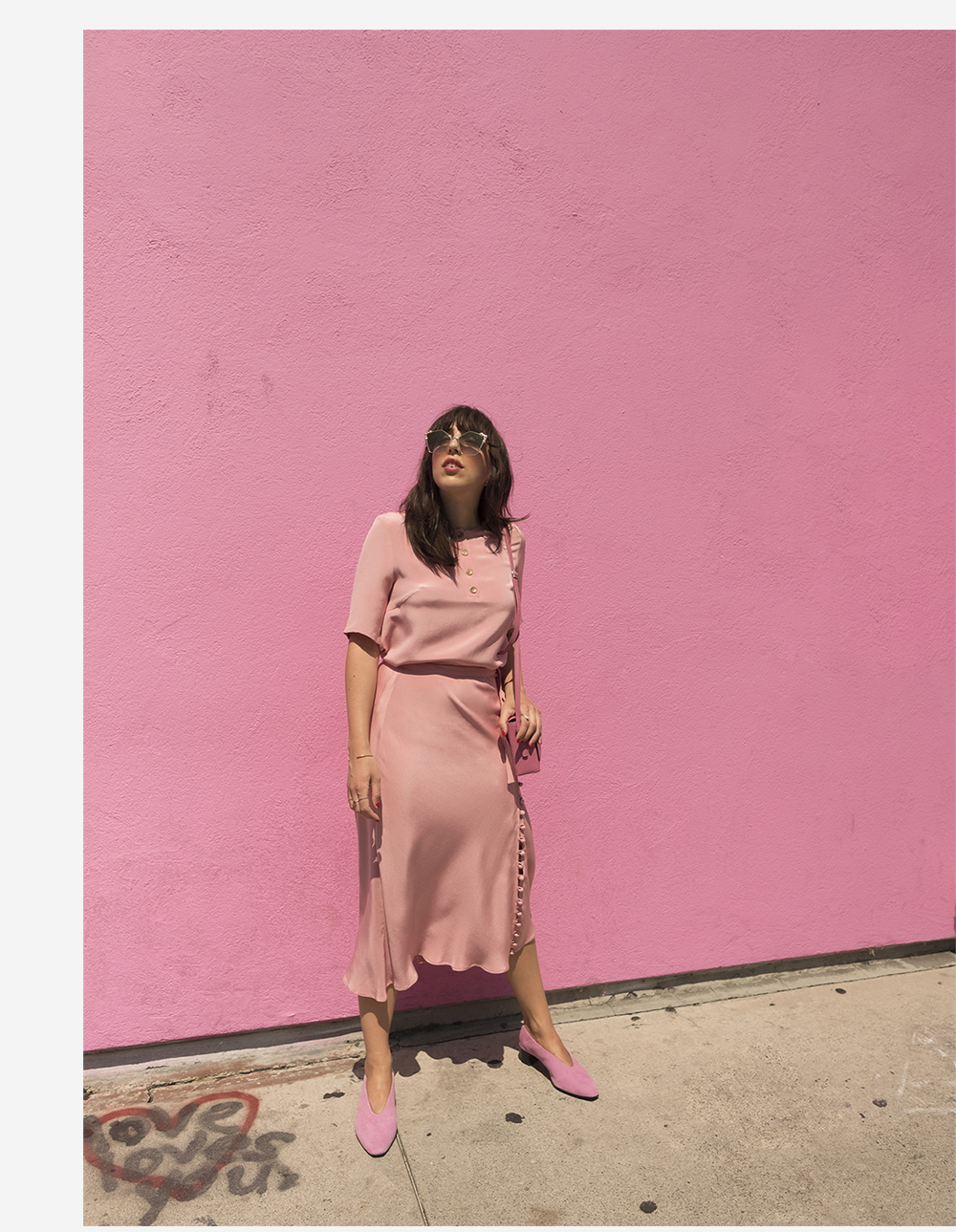 sania claus demina pink outfit look viktoria chan paul smith wall LA los angeles vagabond shoes suede wanda fendi sunglasses_2c